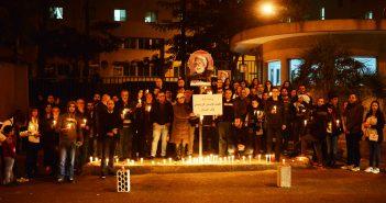 إضاءة شموع في 26-12-2015 أمام مستشفى أوتيل ديو حيث جثمان غريغوار حداد